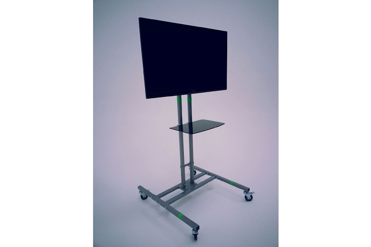 Independence Studio - 39 inch 4K TV